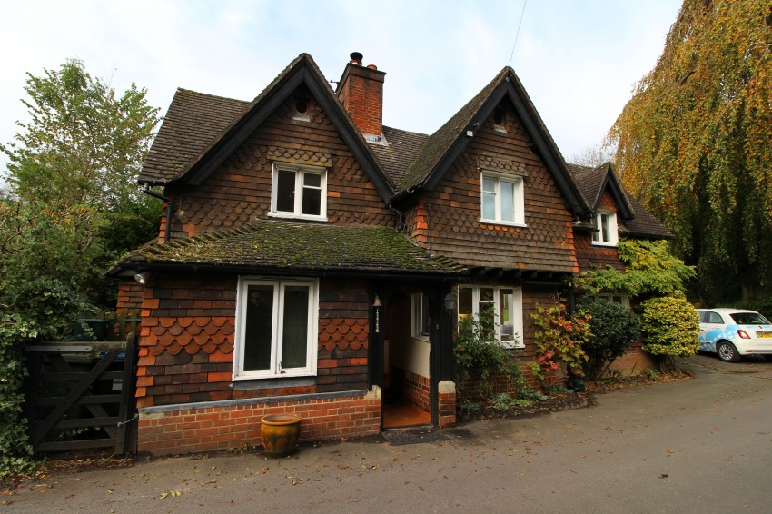 Images for Pendell Court, Pendell Road, Bletchingley, Redhill EAID: BID:robinsons