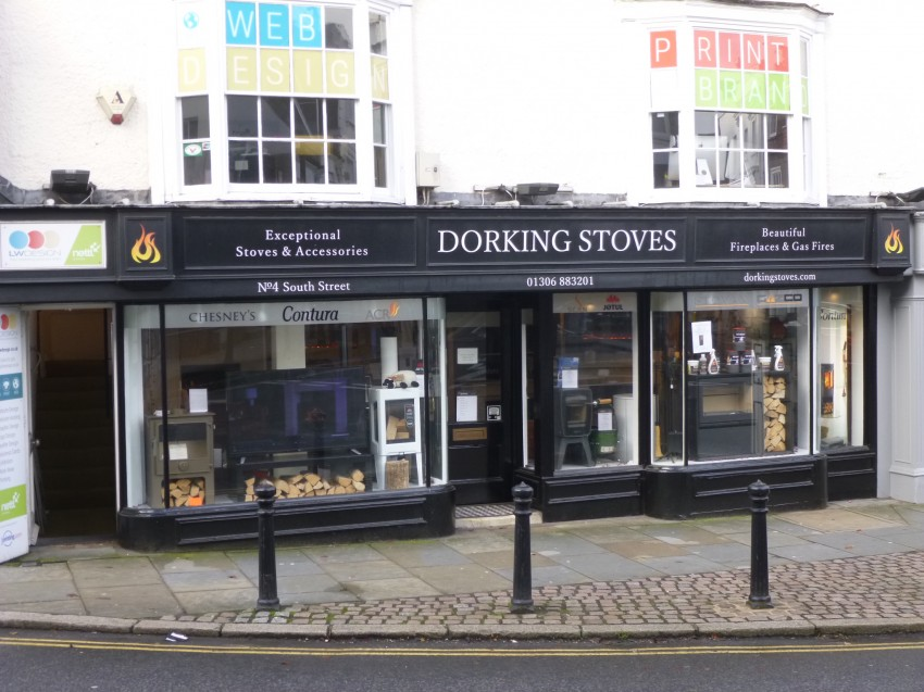 Images for South Street, Dorking EAID: BID:robinsonsmb
