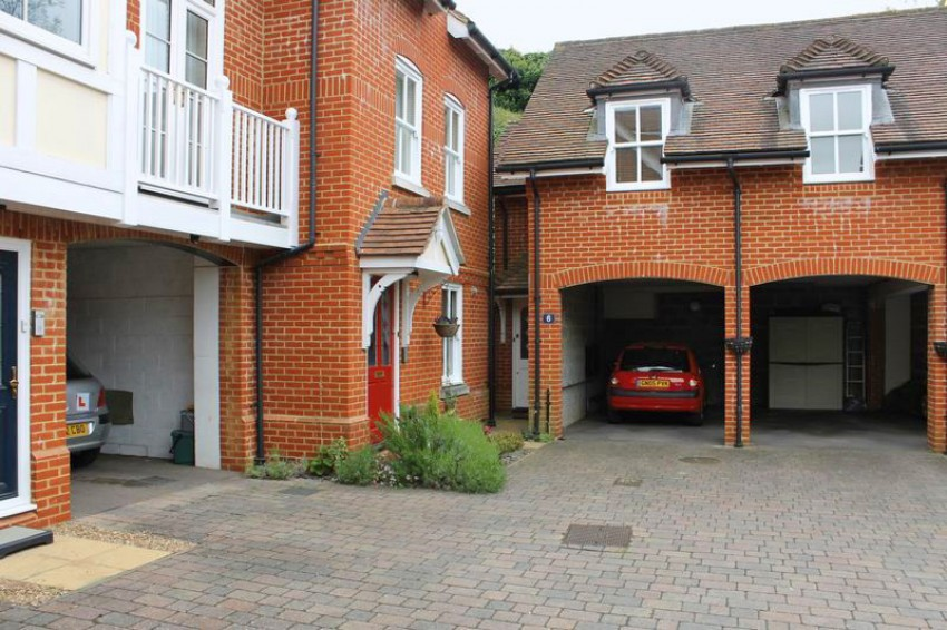 Images for Chartwood Place, Dorking EAID: BID:robinsonsmb