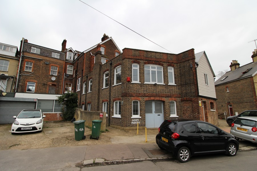 Images for Charman Road, Redhill EAID: BID:robinsons